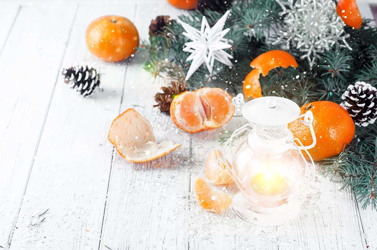 Fotos von Neujahr Mandarine Zapfen das Essen Bretter Lebensmittel