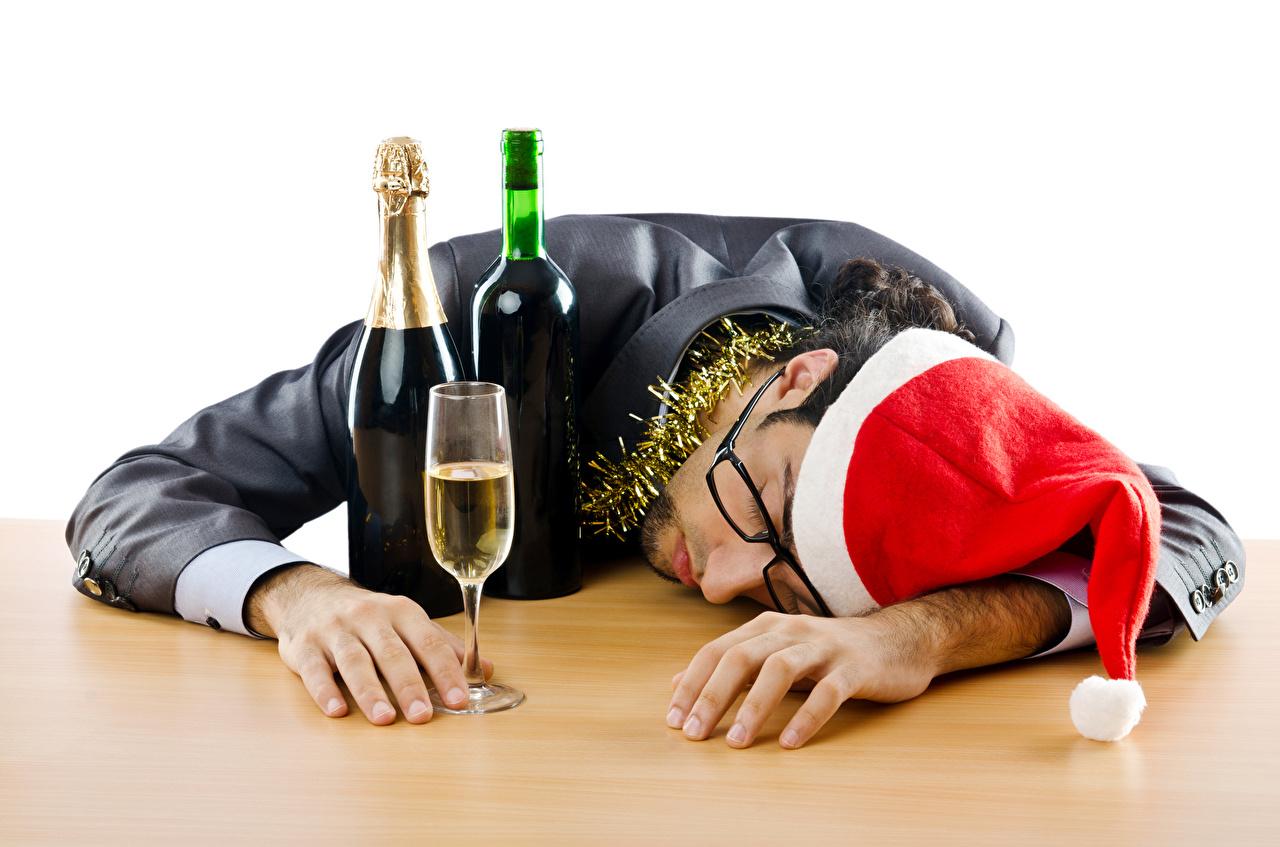 Pictures Christmas Men sleeping Winter hat Bottle Glasses Stemware New year Man Sleep bottles eyeglasses