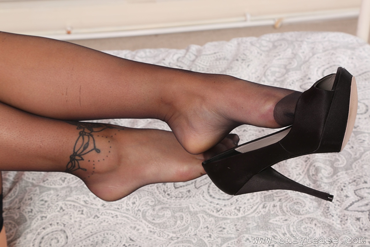 Image Tattoos Pantyhose Girls Legs Closeup Stilettos female young woman high heels
