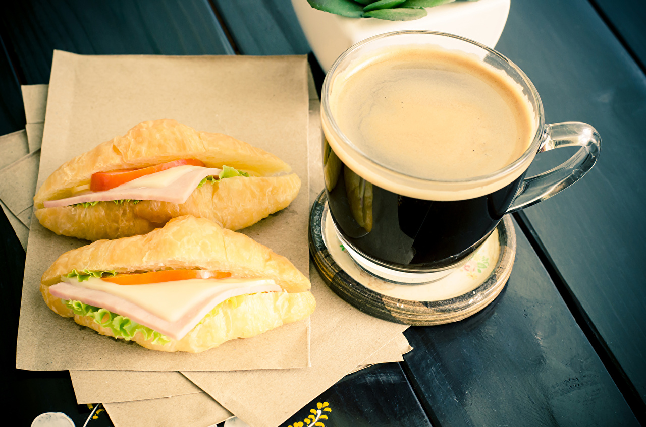 Bilder Kaffee Sandwich Frühstück Brötchen Fast food Tasse Lebensmittel