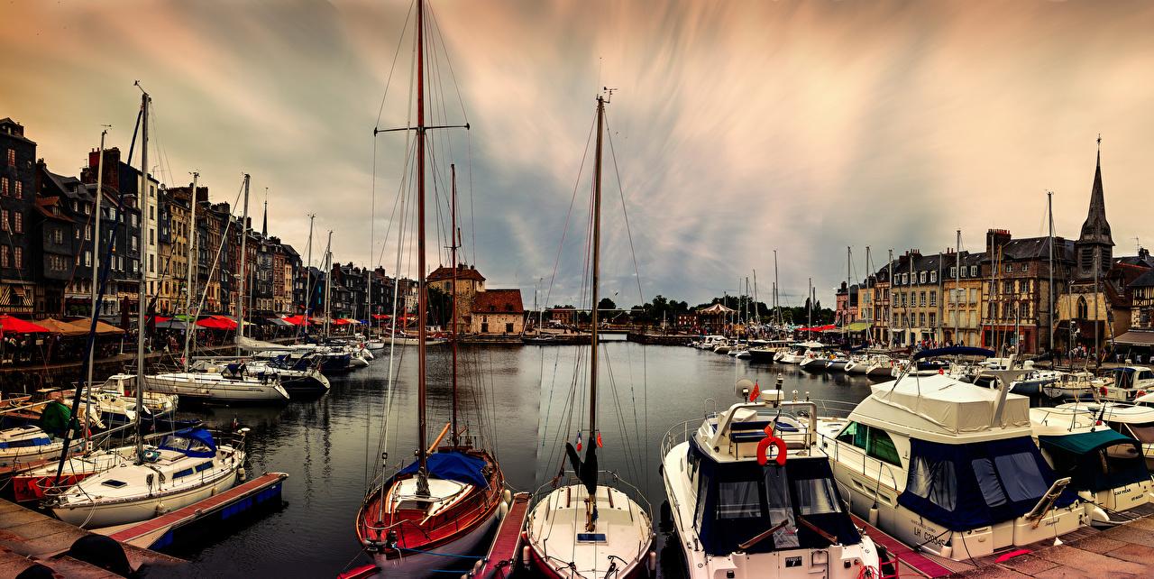 Foto Frankreich Honfleur Binnenschiff Yacht Bucht Segeln Seebrücke Haus Städte Jacht Bootssteg Schiffsanleger Gebäude