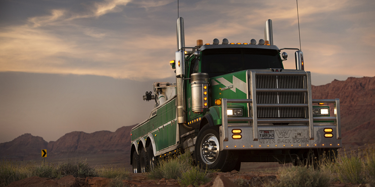Pictures Transformers: The Last Knight lorry Western Star Trucks 4900 SF, Onslaught Movies Cars Trucks film auto automobile