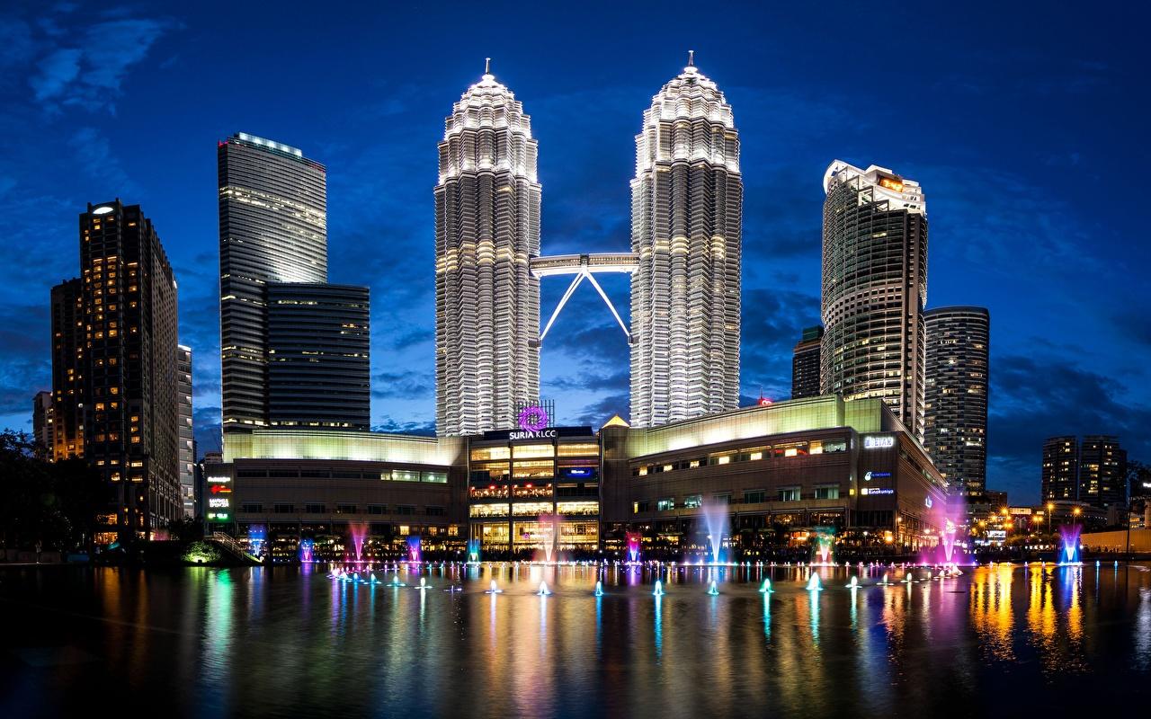 Papeis de parede Casa Arranha-céus Malásia Petronas Towers Noite Kuala  Lumpur Cidades baixar imagens
