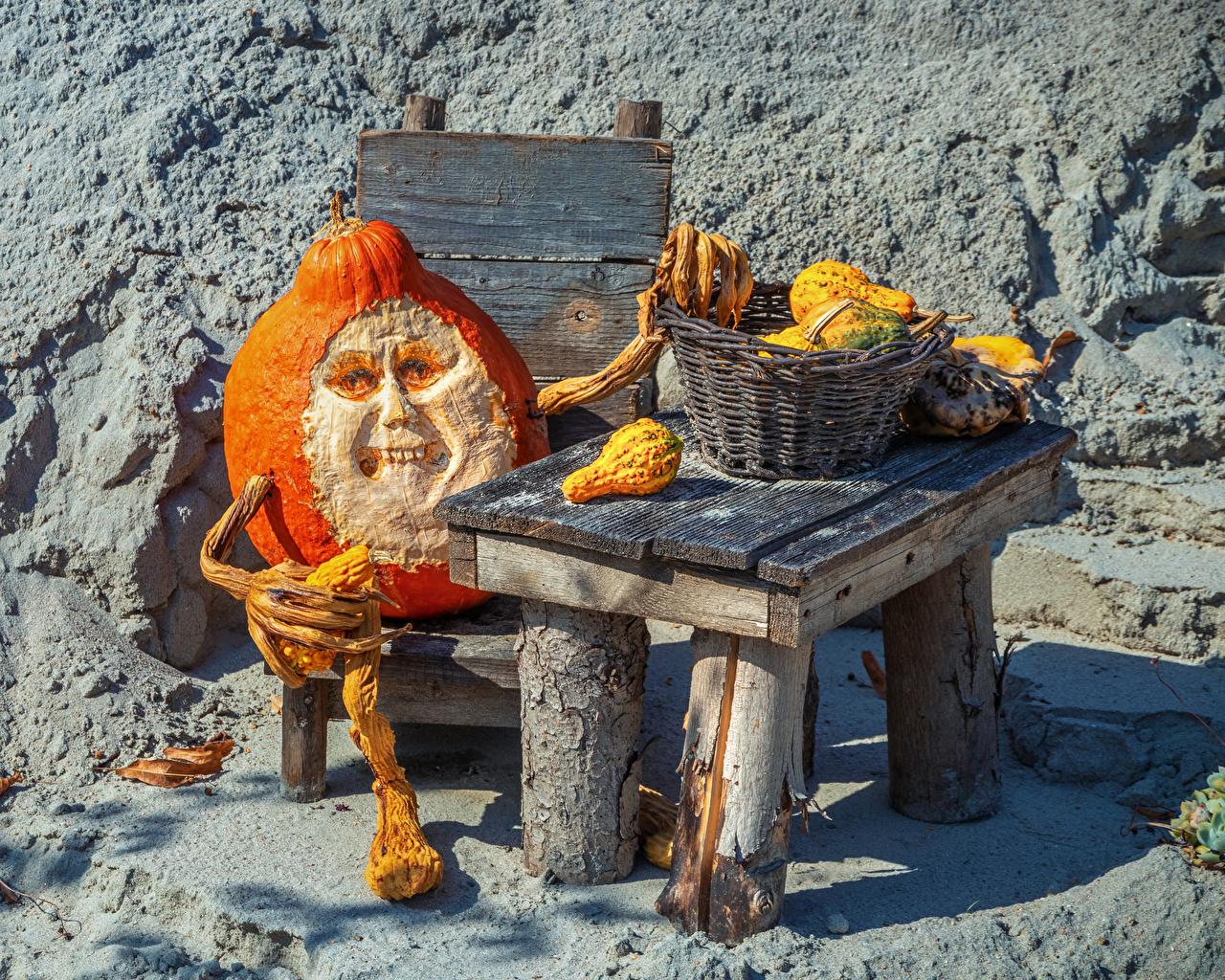 Photos ugly Old man Pumpkin Halloween Creative Wicker basket Table scary terrible Horrible