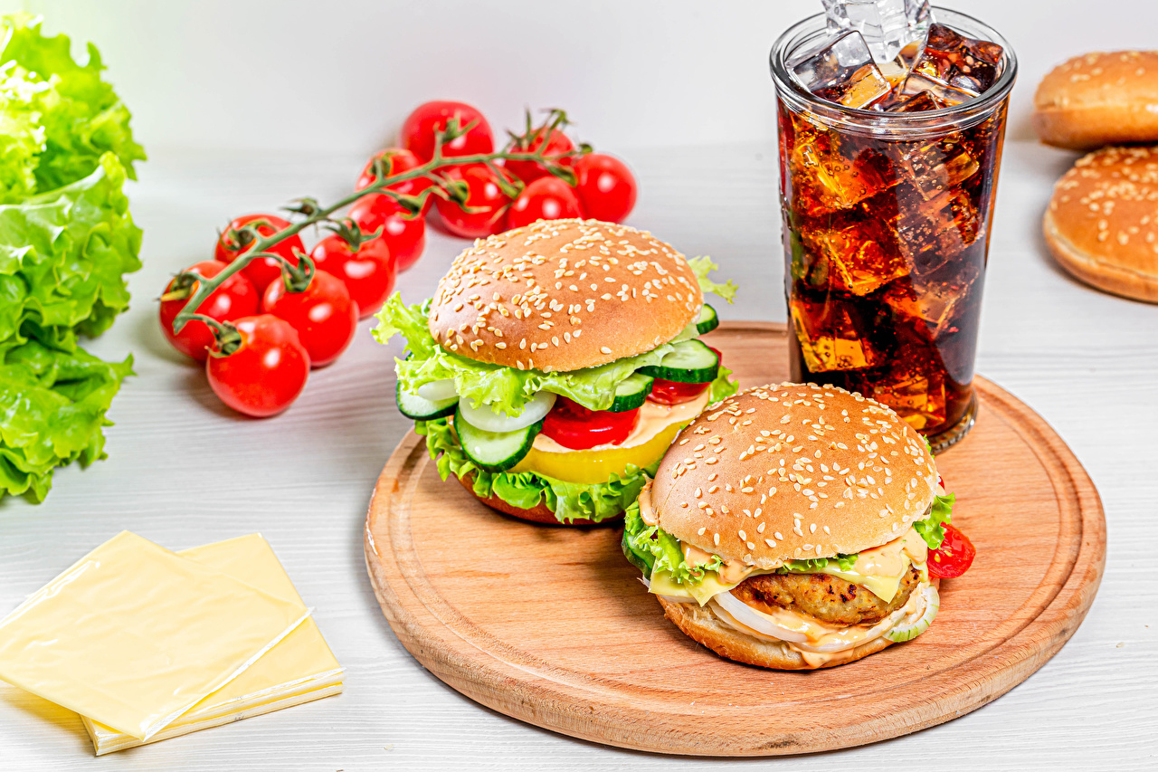 Picture Coca-Cola Tomatoes Hamburger Cheese Highball glass Food Cutting board drink Drinks