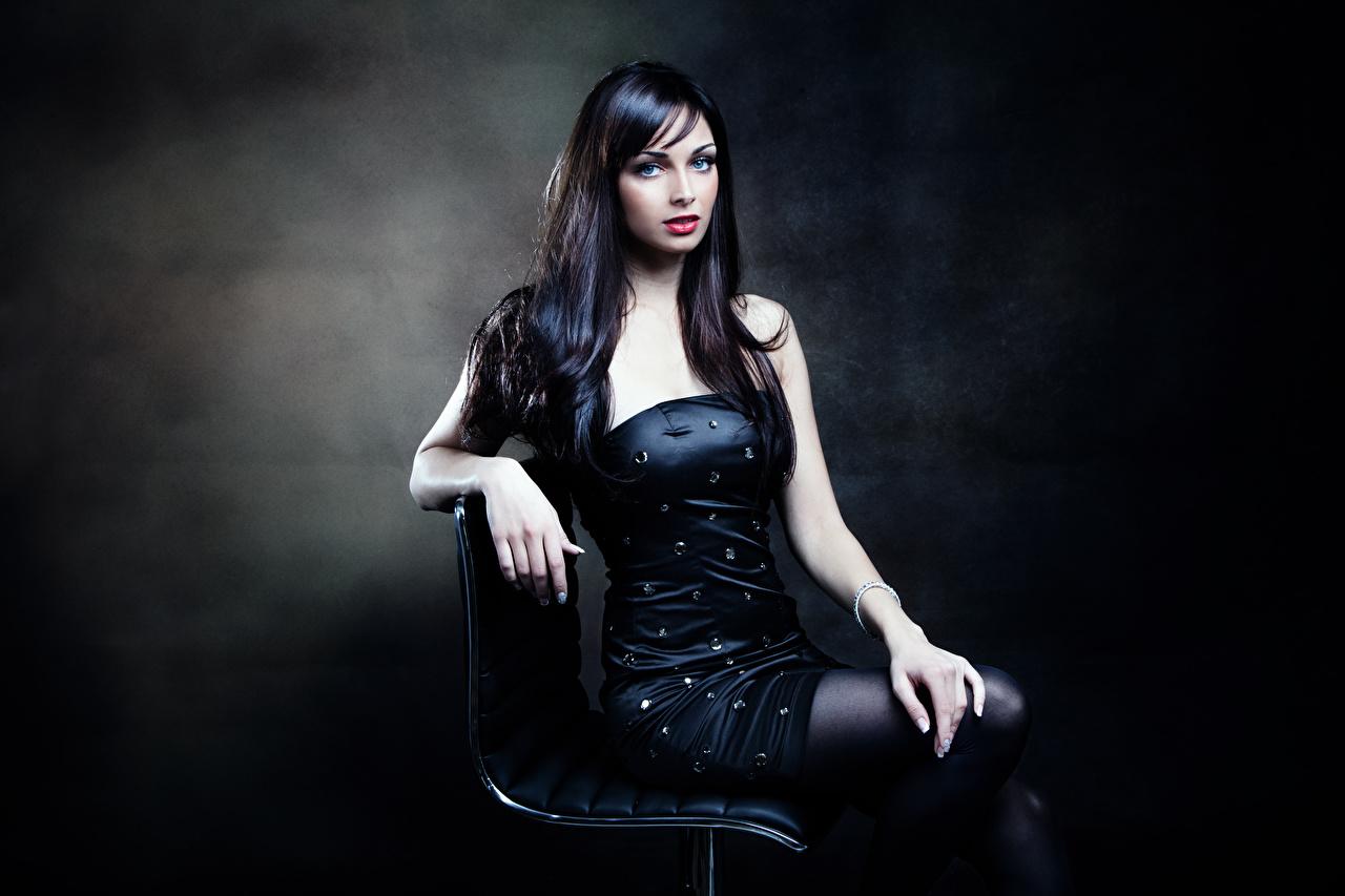 Cabelo preto Meninas Vestido Ver Mão Sentados jovem mulher, mulheres jovens, moça, sentada Meninas