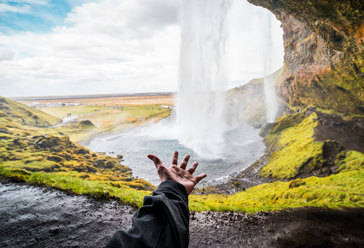 Picture blurred background Nature Waterfalls Hands Bokeh
