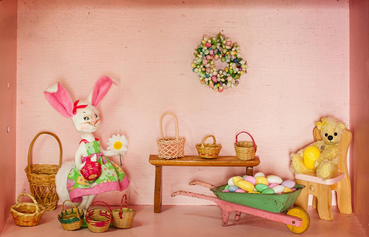 Bilder Ostern Kaninchen eier Teddybär Weidenkorb Tisch Design Ei Teddy Knuddelbär