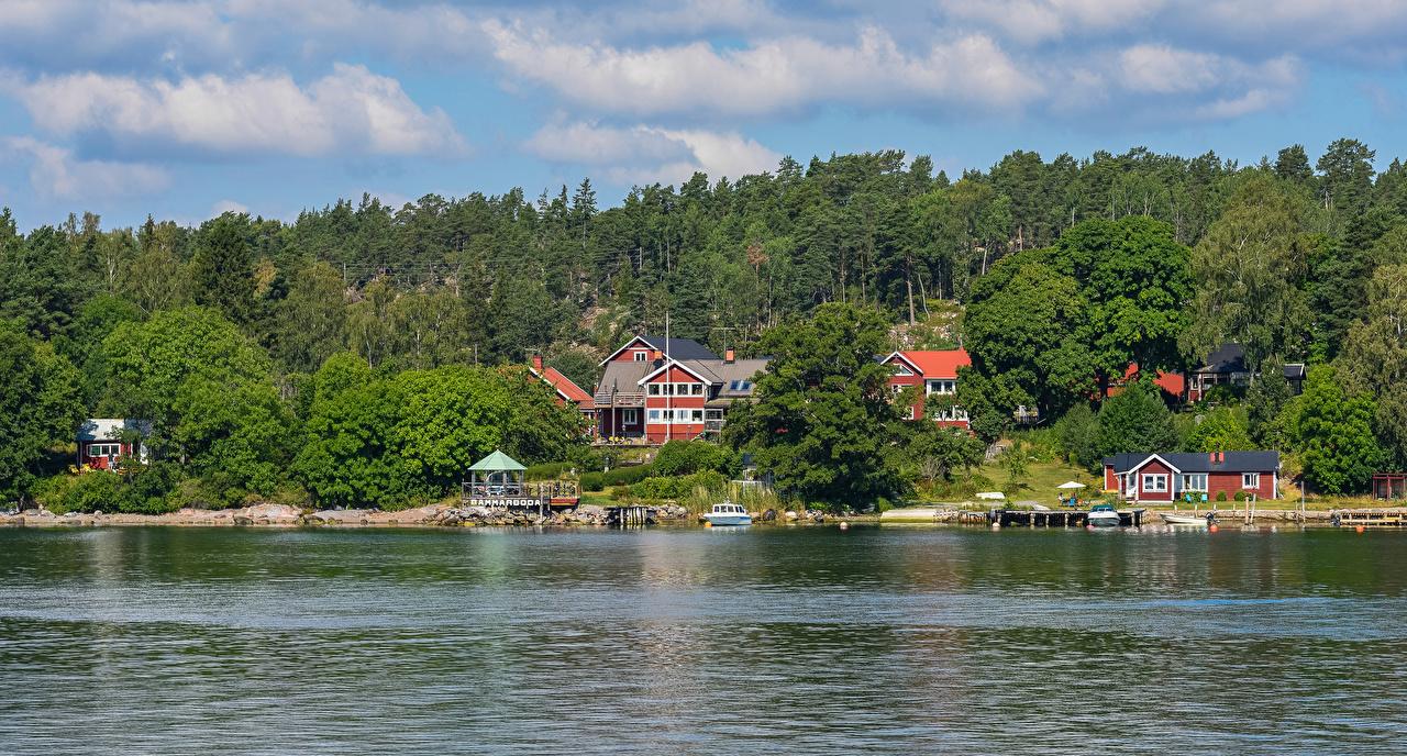 Foto Schweden Vaxholm Wälder Flusse Schiffsanleger Haus Städte Bootssteg Seebrücke Gebäude