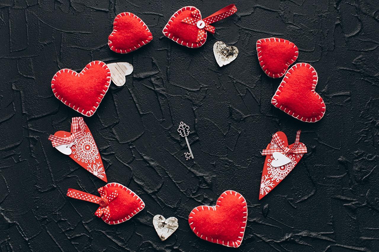 Bilder von Valentinstag Herz Rot Schlüssel
