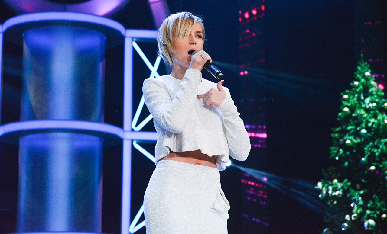 Bakgrunnsbilder til skrivebordet Polina Gagarina Blond jente Musikk Unge kvinner Kjendiser Blonde ung kvinne