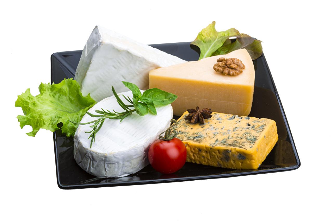Bilder Tomate Käse Gemüse Lebensmittel Nussfrüchte Weißer hintergrund Schalenobst