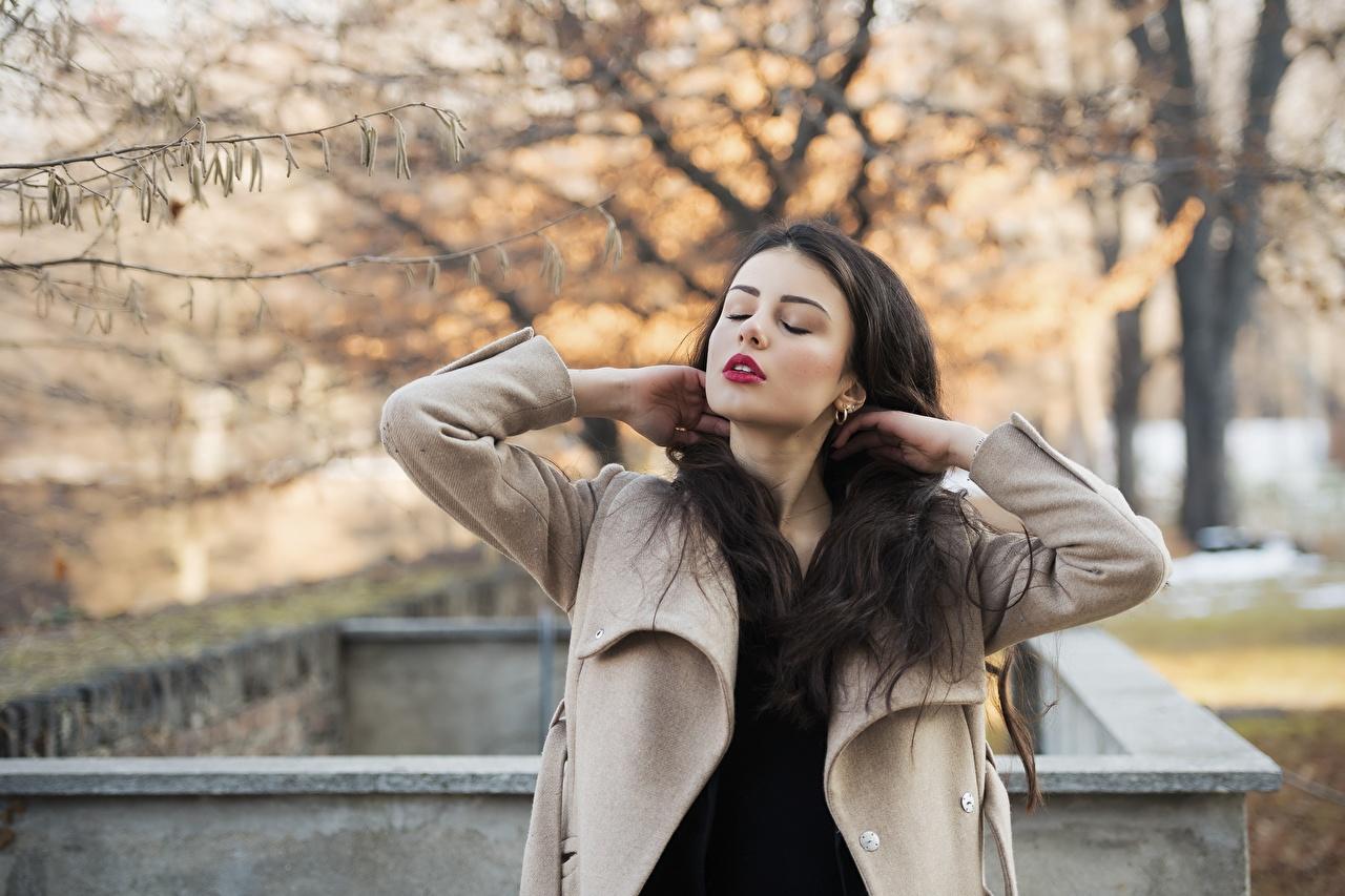 Pictures Ester Merja Brunette girl Modelling Luigi Malanetto Coat Autumn female Hands Model overcoat Girls young woman