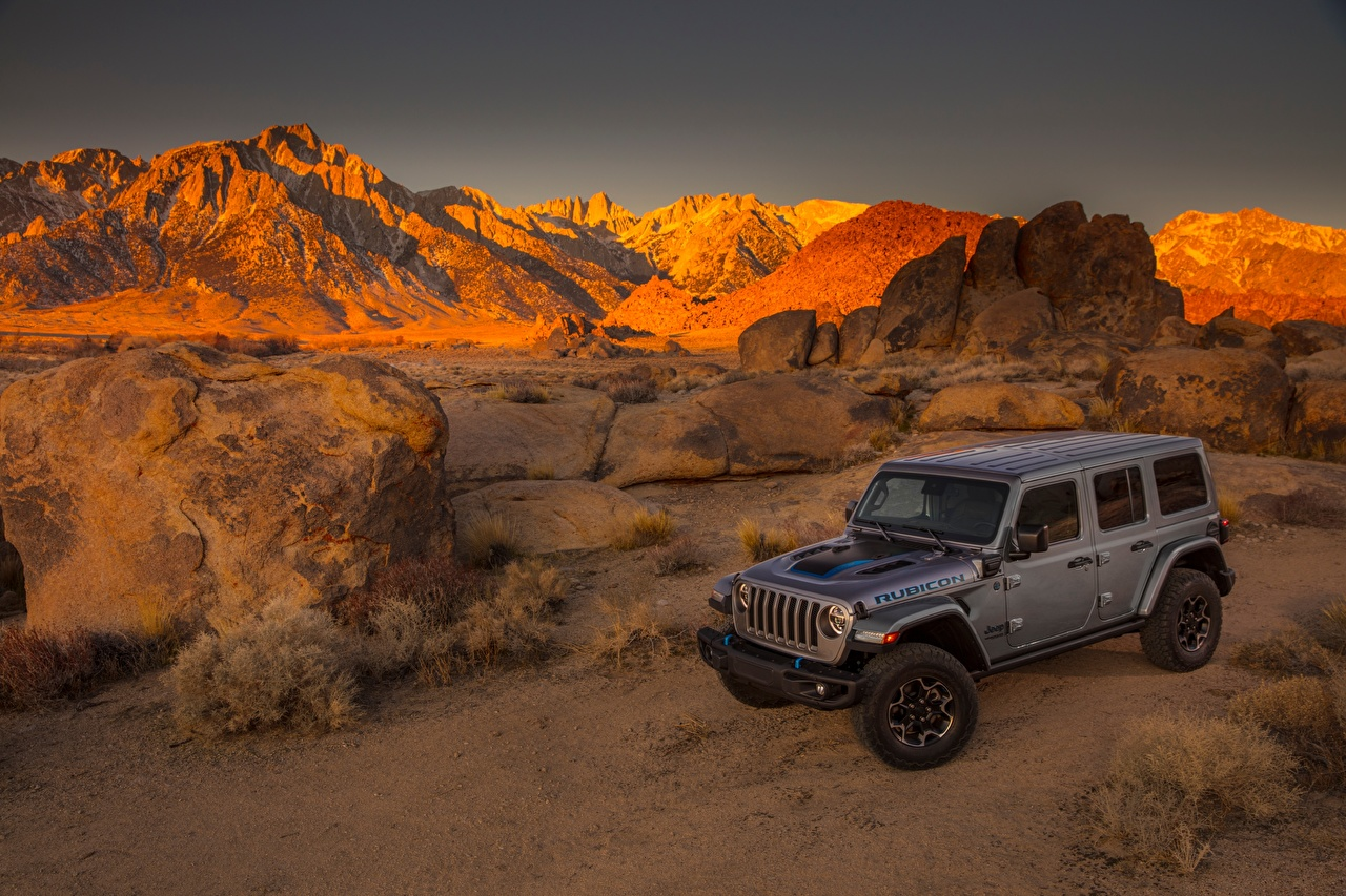 Foto Jeep Sport Utility Vehicle 2021 Wrangler Unlimited Rubicon 4xe Grau Autos SUV graue graues auto automobil