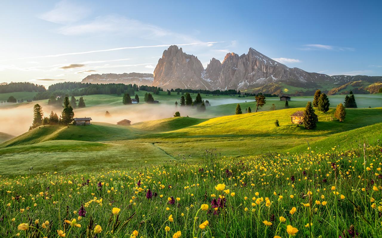 Itália Montanhas Pradaria Manhã Dolomites Alpes Nevoeiro montanha Naturaleza