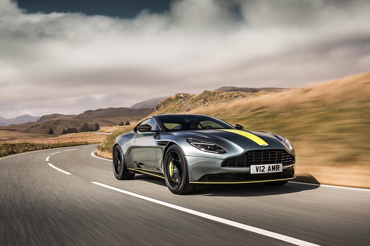 Fotos Aston Martin DB11 Silber Farbe Straße Geschwindigkeit Autos Asphalt Wege fahren fährt Bewegung fahrendes auto automobil