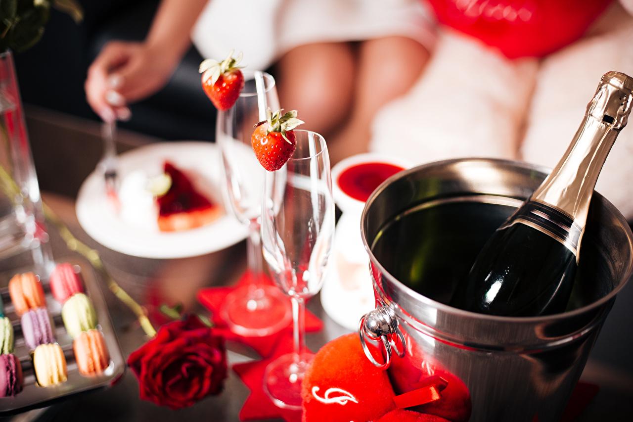 Wallpaper Valentine's Day Roses Bucket Sparkling wine Strawberry Bottle Stemware rose Champagne bottles