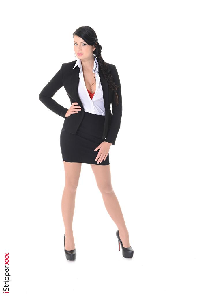Bilder Lucy Li Rock Brünette iStripper Mädchens Bein Hand Anzug Weißer hintergrund Stöckelschuh  für Handy junge frau junge Frauen High Heels