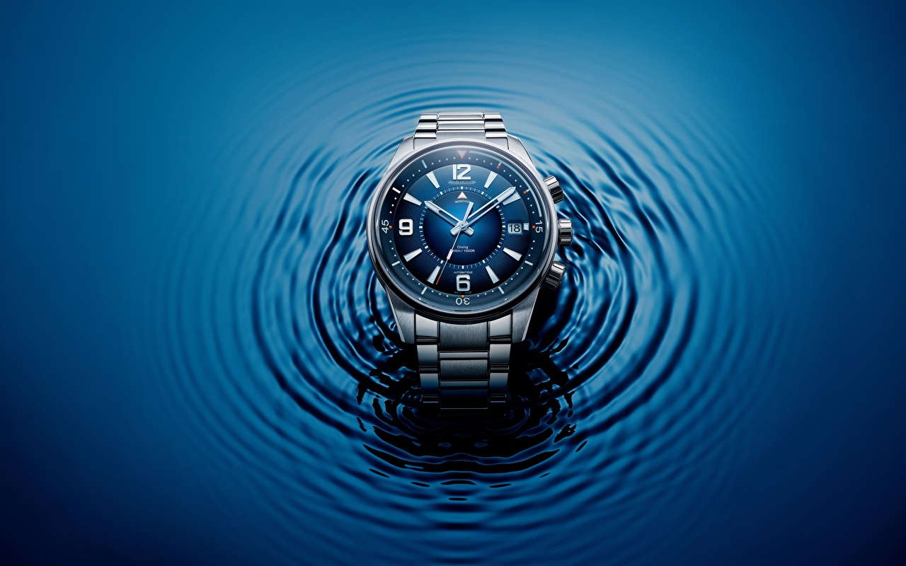 Photo Jaeger-LeCoultre Polaris Mariner Watch Clock face Closeup