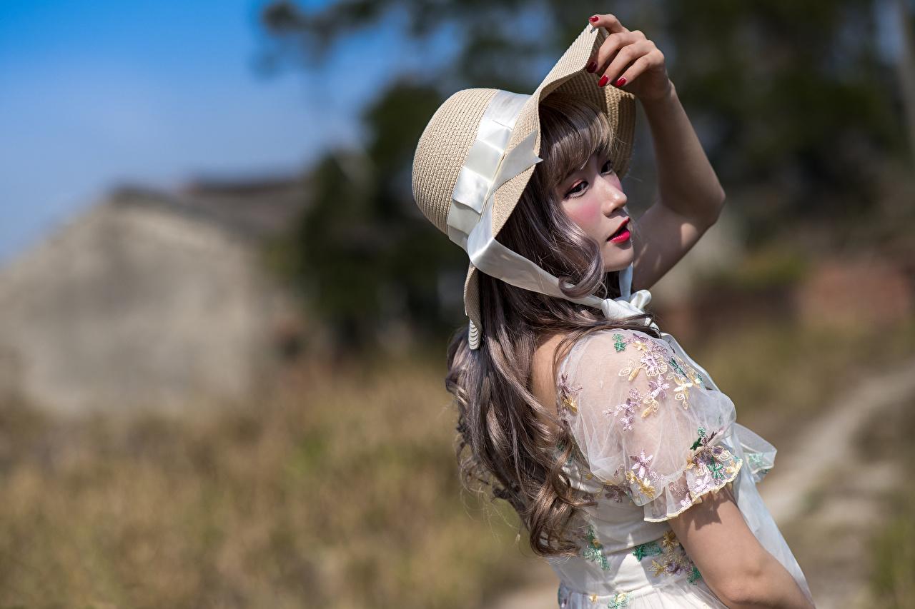 Foto Bokeh Pose Der Hut Mädchens Asiatische Kleid unscharfer Hintergrund posiert junge frau junge Frauen Asiaten asiatisches