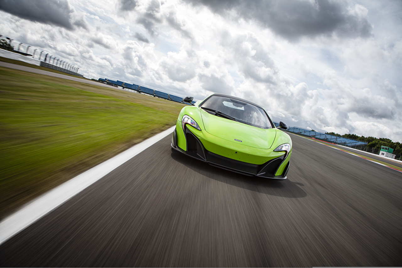 Desktop Wallpapers McLaren US-spec 2015 675LT lime color Motion Cars Front Yellow green moving riding driving at speed auto automobile
