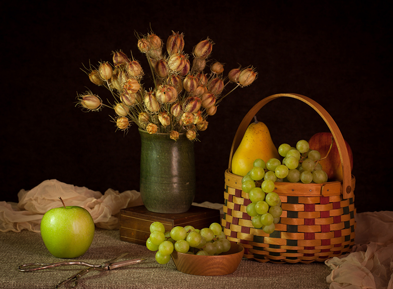 Photo Bouquets Pears Apples Grapes Wicker basket Food Vase Still-life