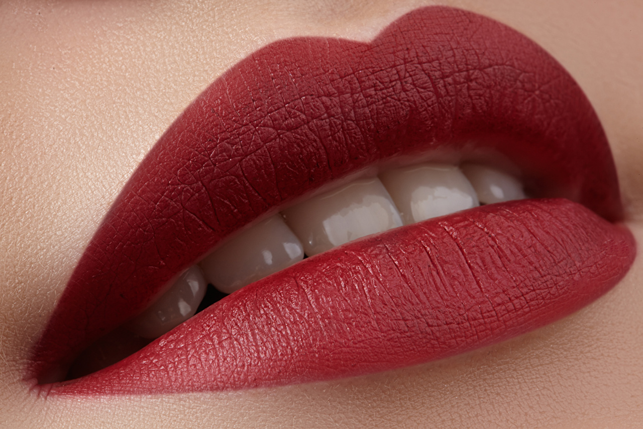 Pictures Teeth Closeup Red lips
