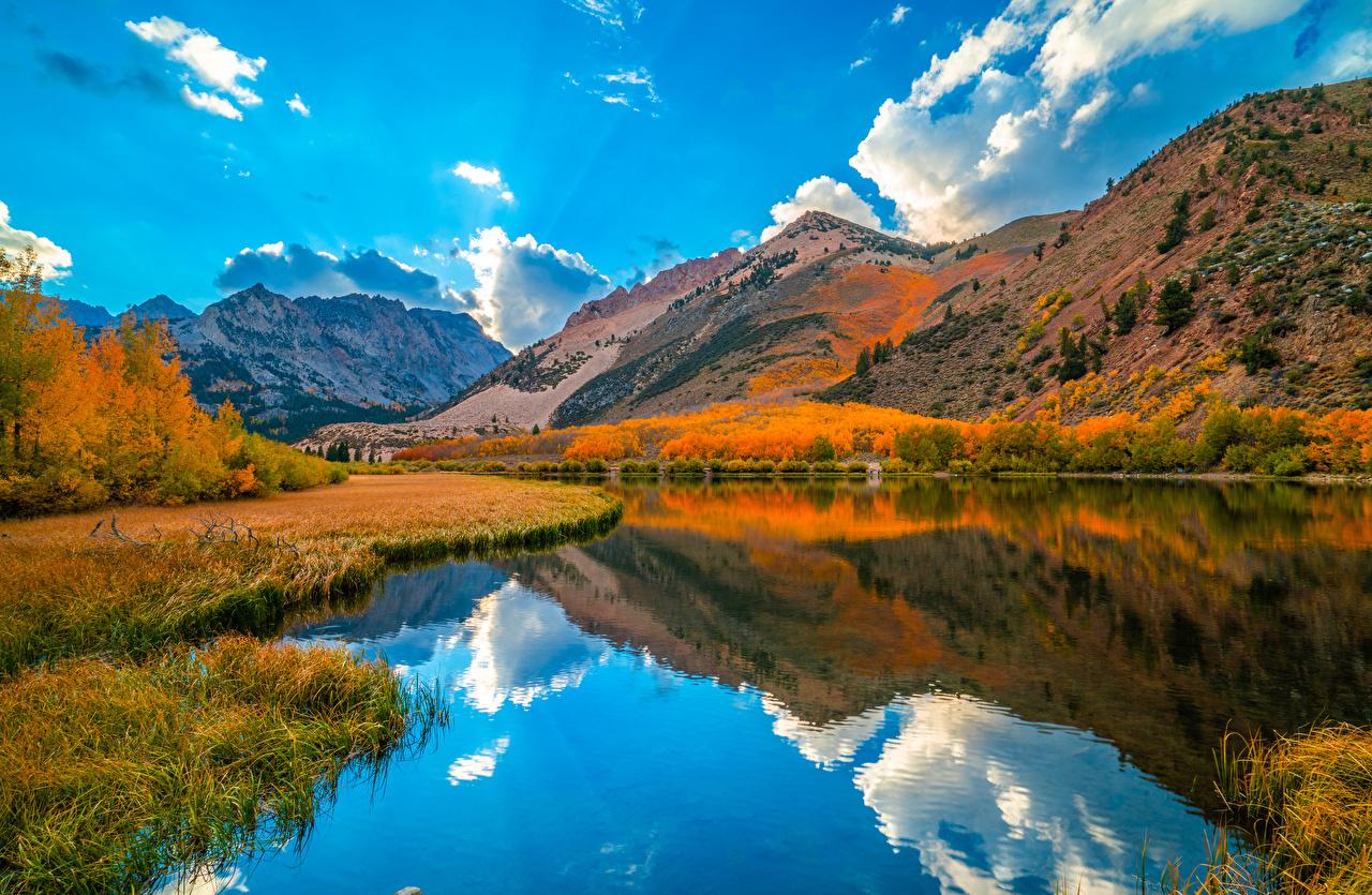 Desktop Hintergrundbilder Kalifornien USA Natur Herbst Gebirge Spiegelung Spiegelbild Fluss Wolke Vereinigte Staaten Berg spiegelt Reflexion Flusse