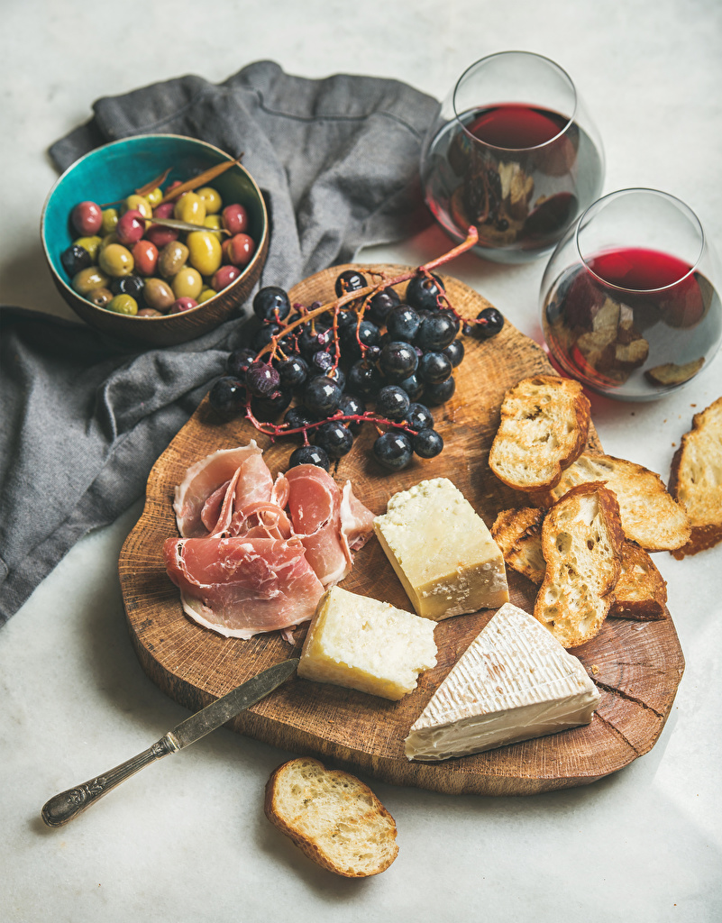 Images Wine Olive Ham Bread Cheese Grapes Food Stemware Cutting board