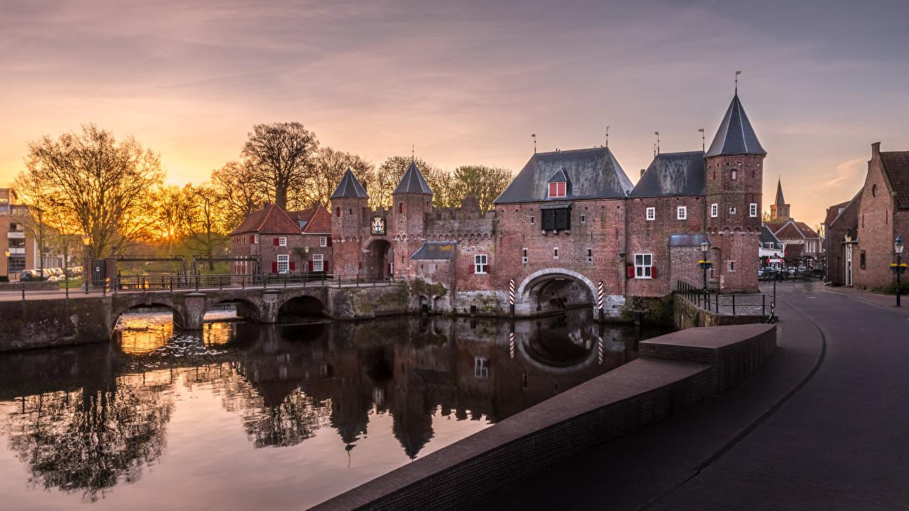 Achtergrond Nederland Een toren Amersfoort, Koppelpoort brug Waterfront Steden Bruggen een stad