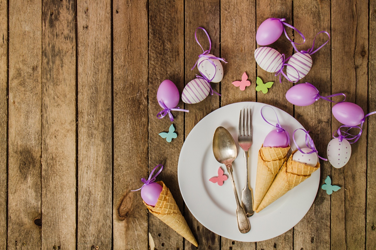Pictures Easter Ice cream cone Fork Plate Spoon boards Wood planks