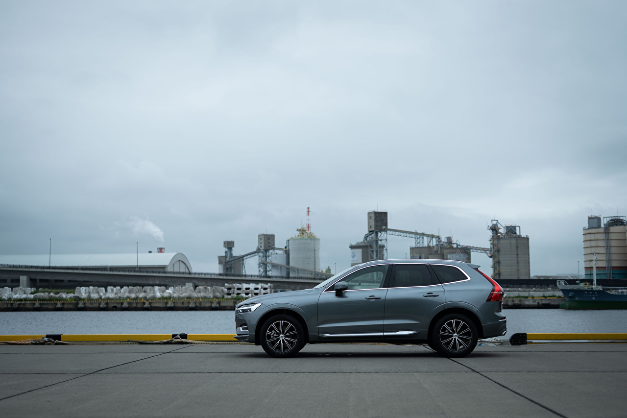 Wallpaper Volvo CUV XC60 B5 Inscription JP-spec, 2019 Grey Side Metallic automobile Crossover gray auto Cars