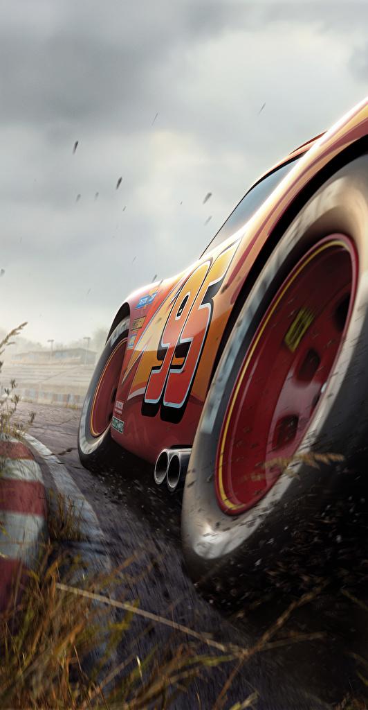 Desktop Hintergrundbilder Cars 3 Lightning McQueen Rot Rad Zeichentrickfilm Großansicht  für Handy Räder Animationsfilm hautnah Nahaufnahme