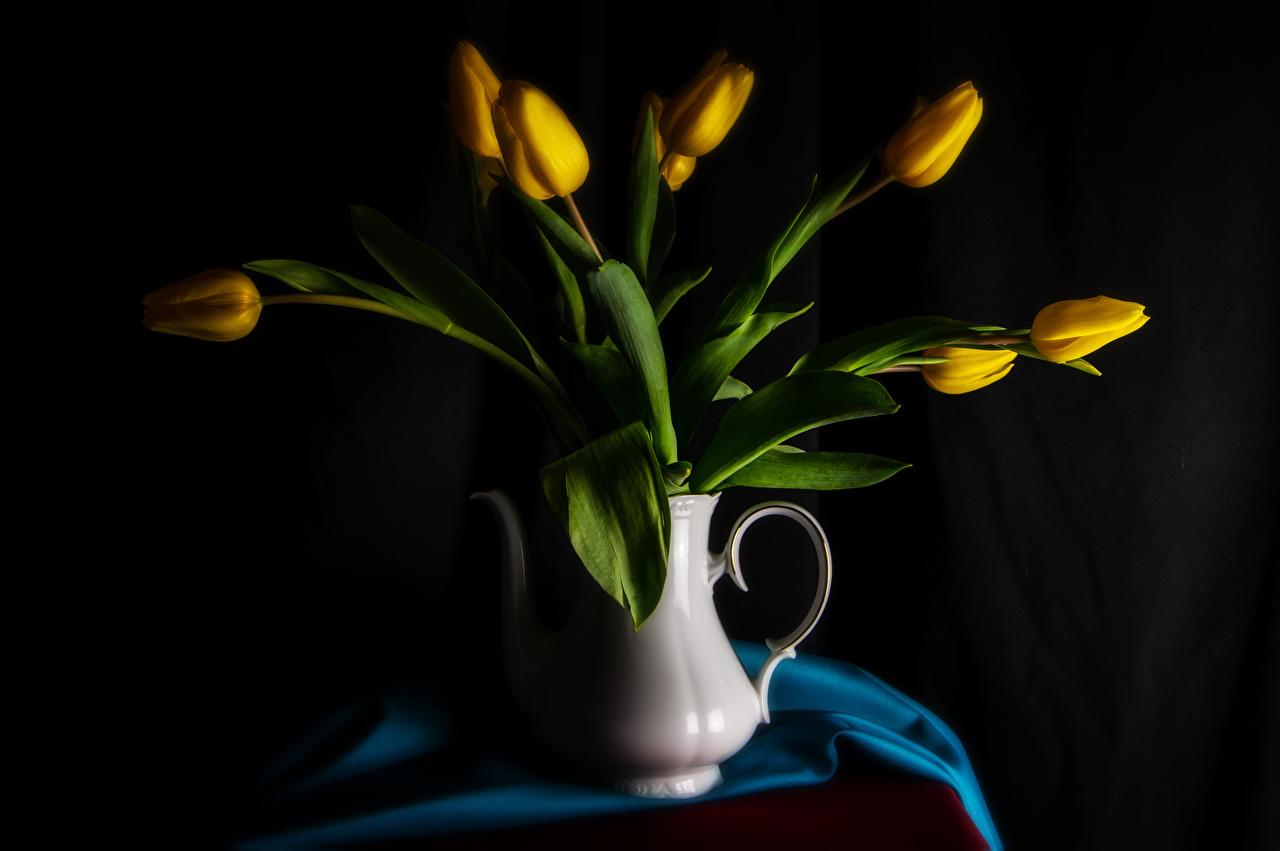 、チューリップ、グレーの背景、花瓶、黄色、花、