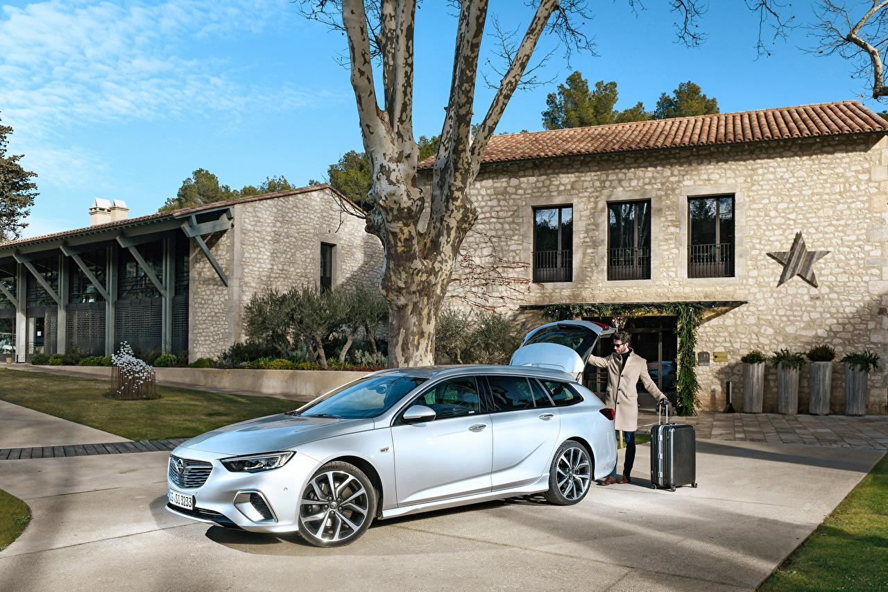 Bilder Opel 2017-18 Insignia GSi Sports Tourer Silber Farbe Autos auto automobil