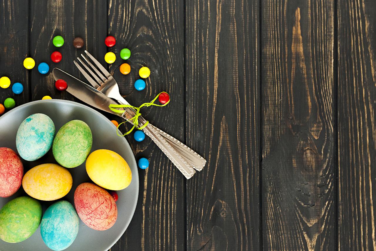Wallpaper Easter Multicolor egg Candy Food Fork Plate boards Eggs Wood planks