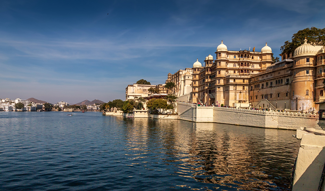 Picture India Udaipur river Houses Cities Rivers Building