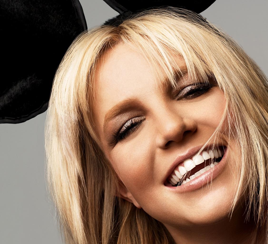Britney_Spears_Blonde_440444.jpg