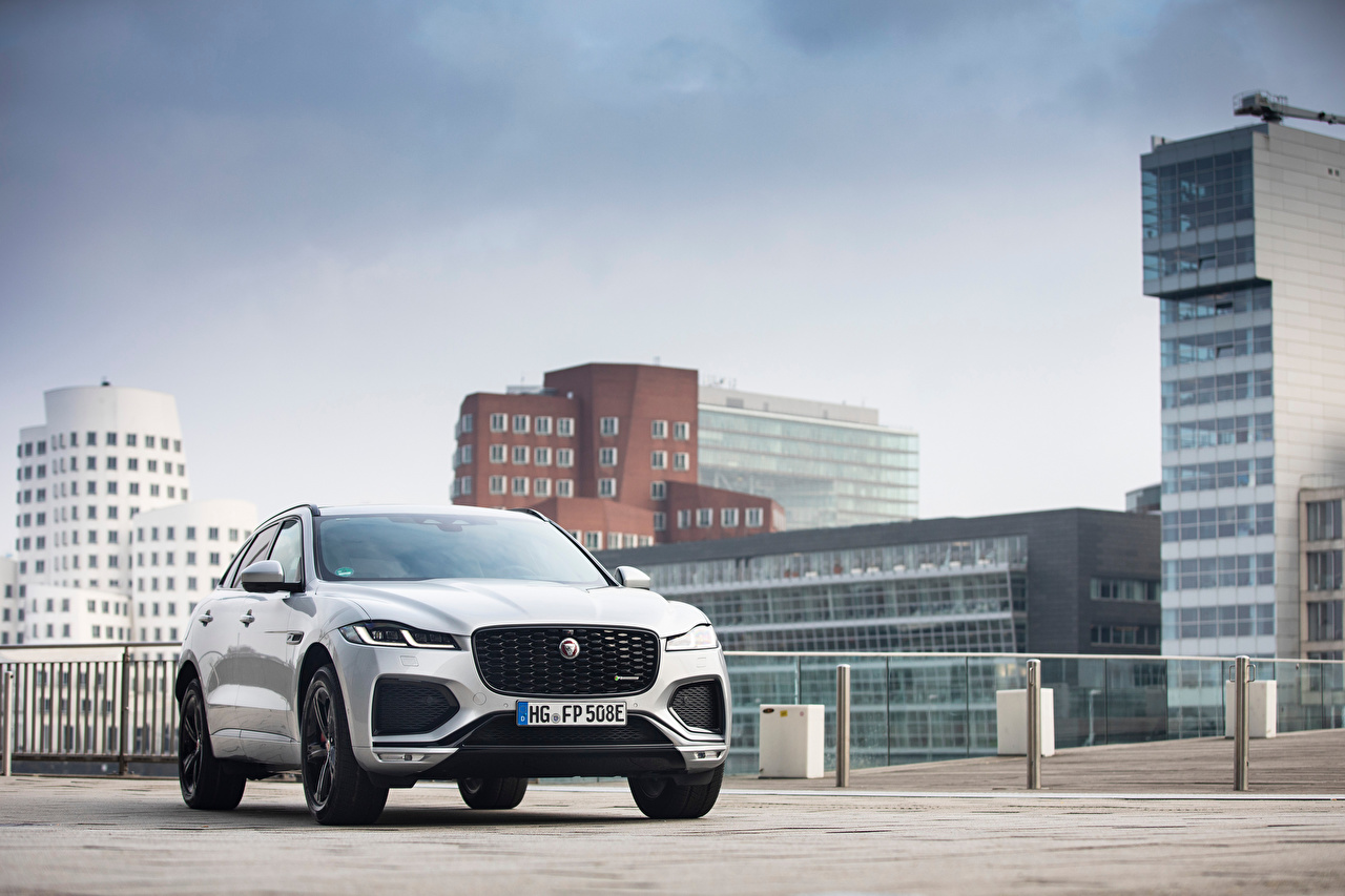 Image Jaguar F-Pace P400e R-Dynamic AWD, Worldwide, 2020 -- Silver color auto Metallic Houses Cars automobile Building