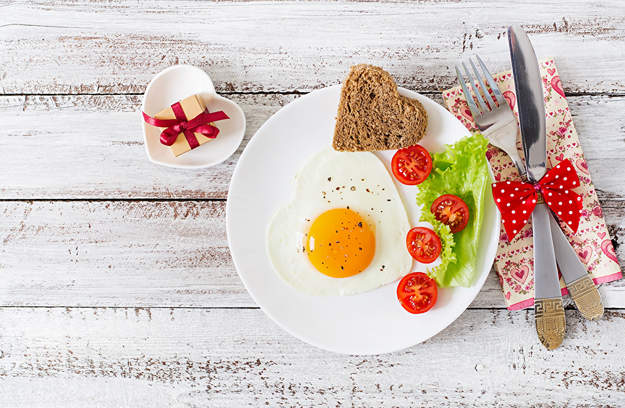 Images Heart Knife Fried egg Tomatoes Bread Fork Food Plate bow knot Bowknot