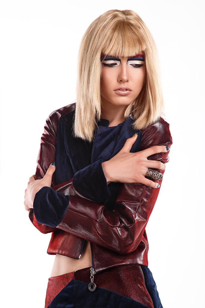 Foto junge frau Viacheslav Krivonos Blond Mädchen Pose Anna Model Weißer hintergrund Make Up Hand  für Handy Mädchens junge Frauen Blondine posiert Schminke