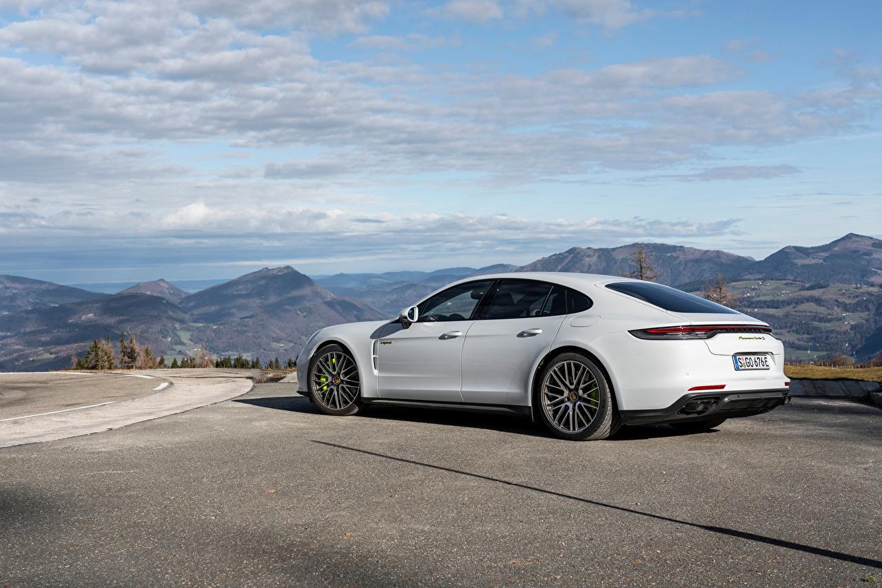 Image Porsche Panamera Turbo S E-Hybrid Worldwide, (971), 2020 White auto Metallic Cars automobile