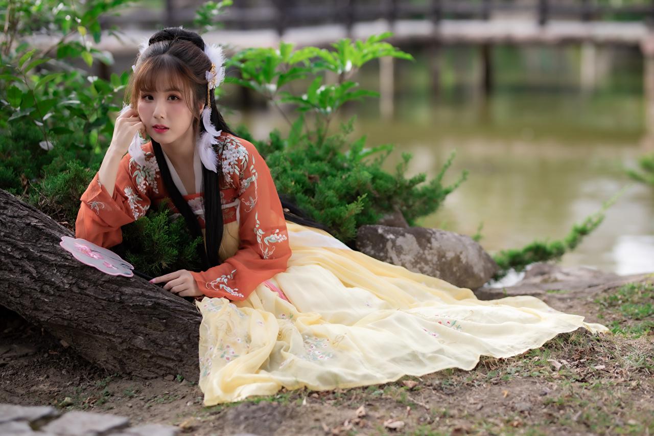 Bilder von posiert junge frau Asiatische Starren Kleid Pose Mädchens junge Frauen Asiaten asiatisches Blick