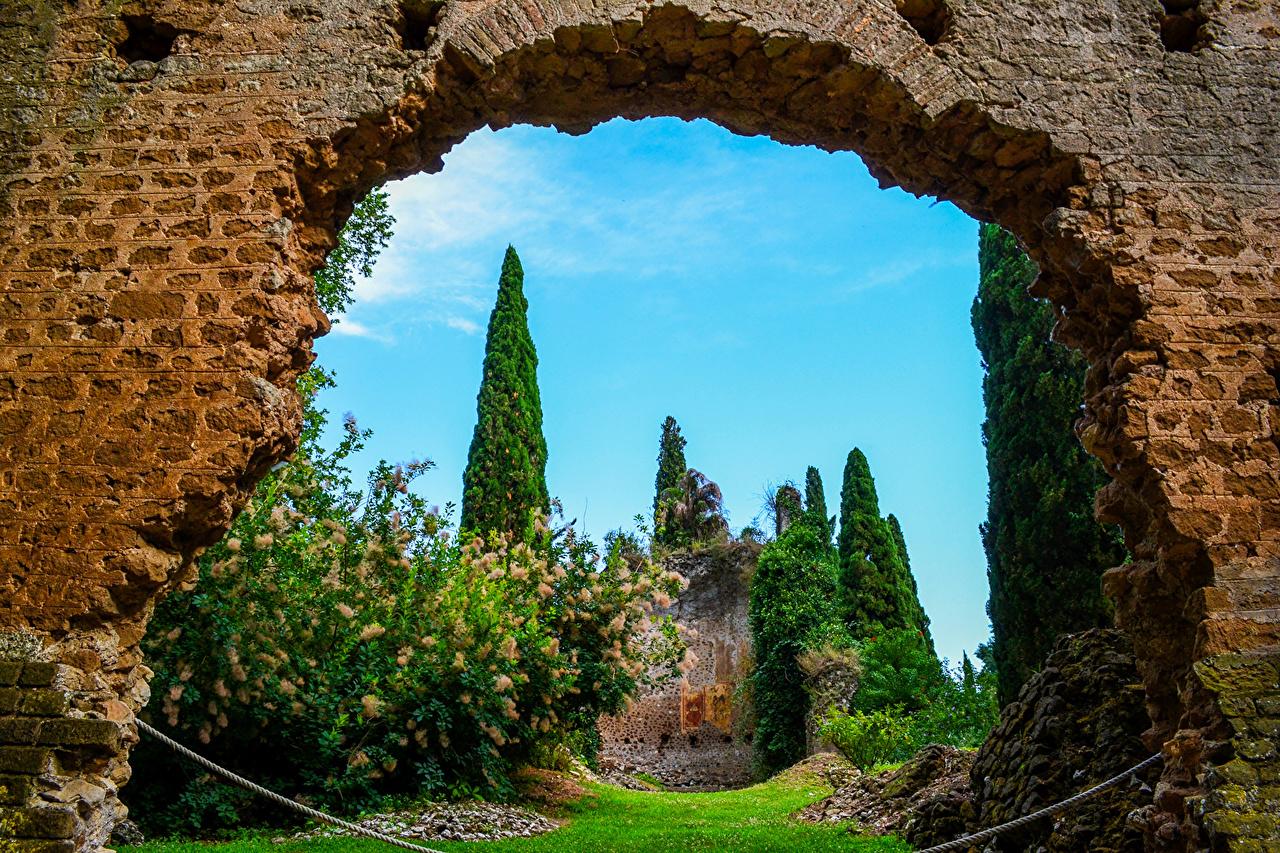 Bilde Italia Garden of Ninfa Nettuno Natur Hage Trær Busker