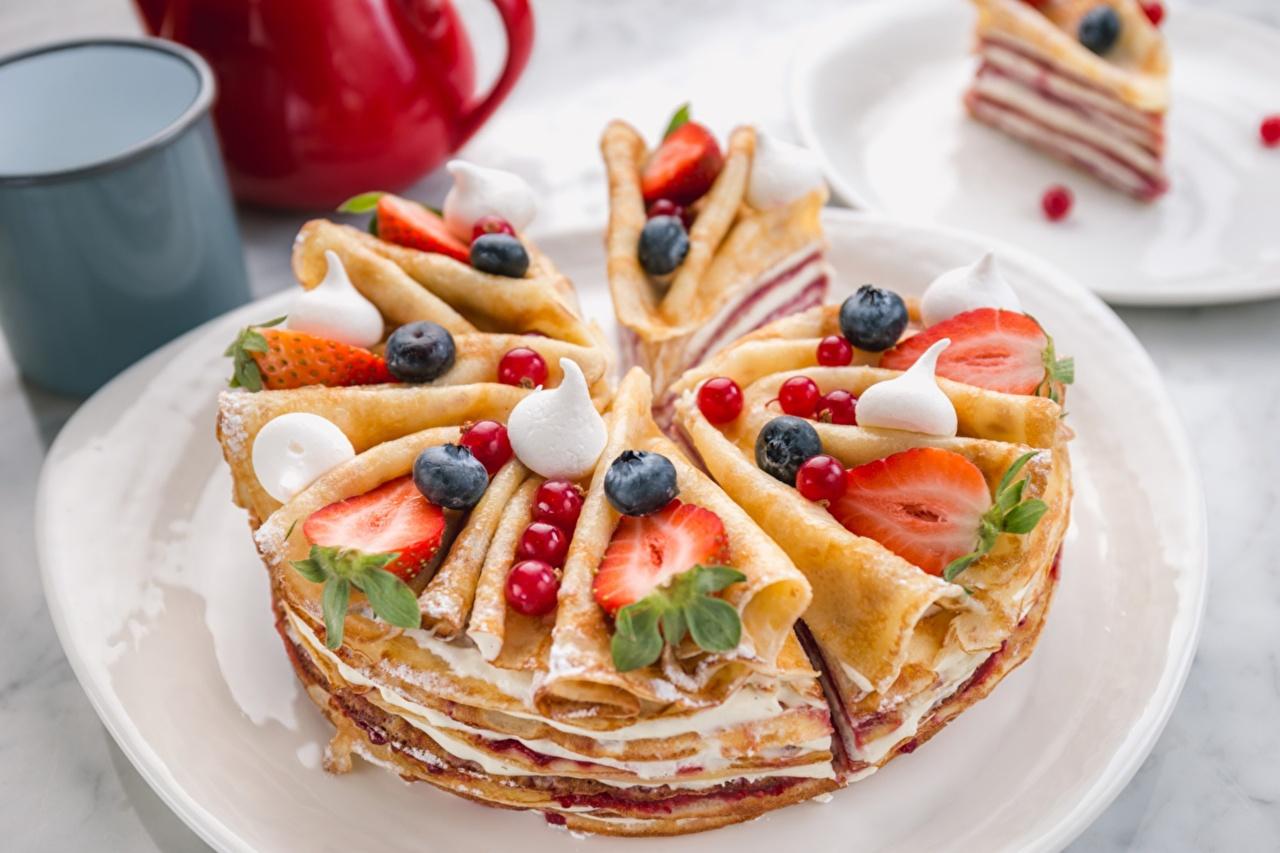 Фото Пирог Блины Клубника Пища Ягоды Еда Продукты питания
