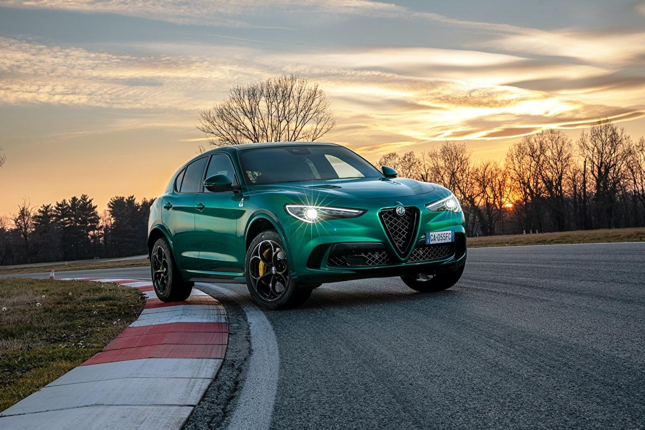 Image Alfa Romeo Crossover Stelvio Quadrifoglio, 2020 Green Roads auto Evening Metallic CUV Cars automobile