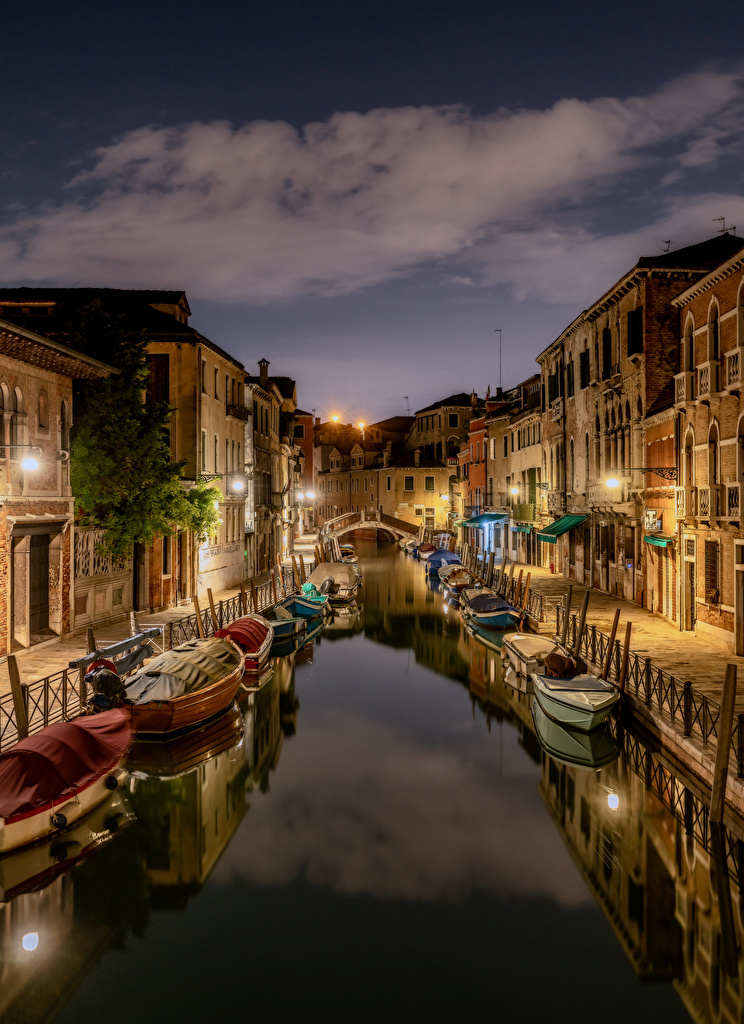Pictures Venice Italy Canal Boats Evening Houses Cities  for Mobile phone Building