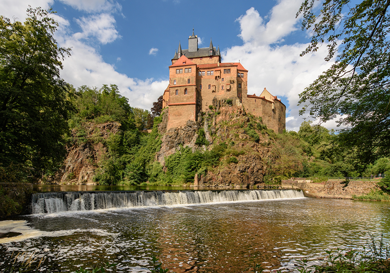Wallpaper Germany Castle Kriebstein Rock Castles Waterfalls Cities Crag Cliff castle