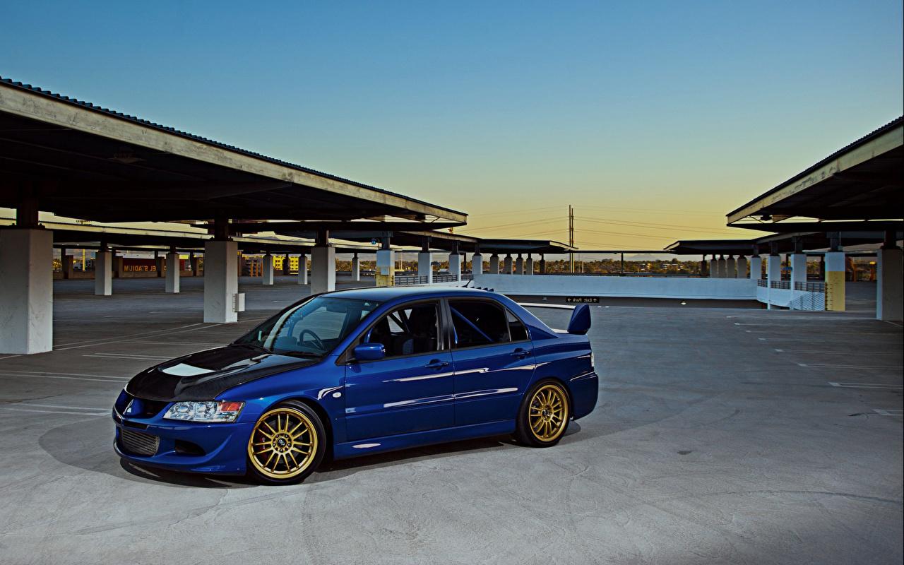 Photo Mitsubishi Parking Blue Auto