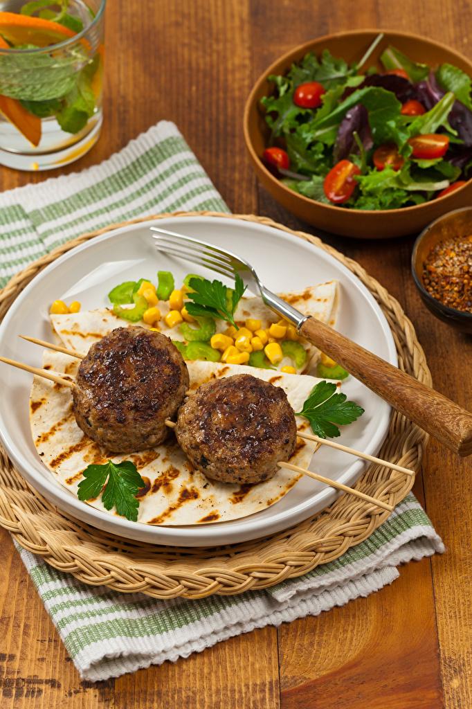 Bilder von Frikadelle Gabel Teller das Essen Bretter  für Handy Fleischbällchen Essgabel Lebensmittel